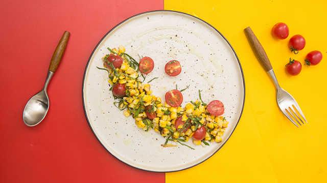 30秒做道健康美味的烤玉米番茄沙拉