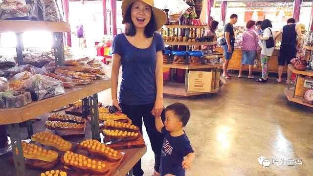 哈佛寶媽帶寶寶游曼谷水上市場