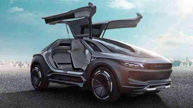 """未来汽车行业将出现""""造车富士康"""""""