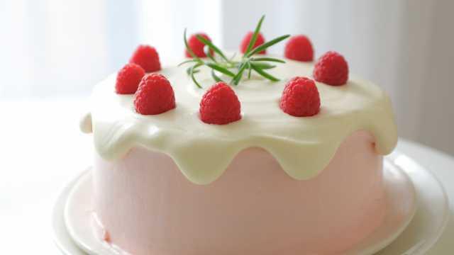 树莓奶油滴落蛋糕,满满的少女心