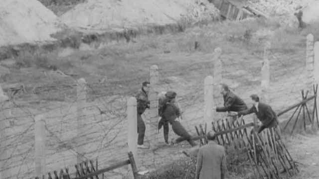 历史无言:黑白影像记录下的柏林墙