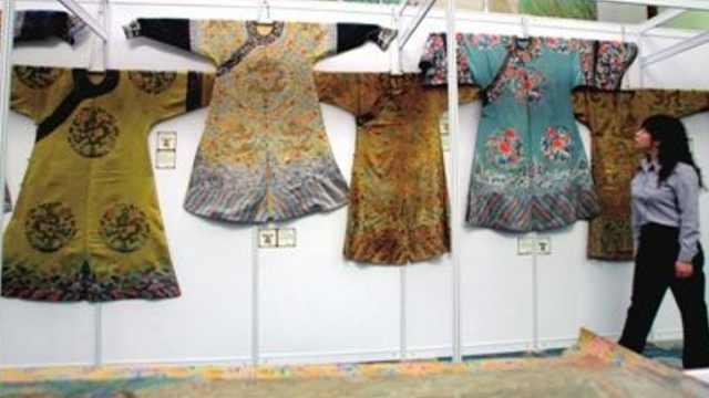 各朝龙袍变迁史,龙袍不只有黄色?