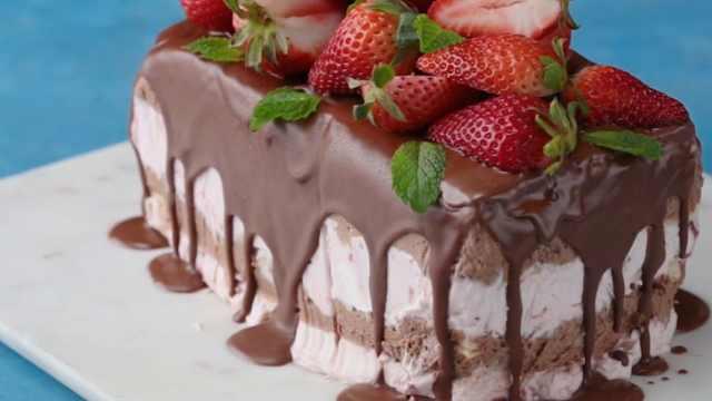 草莓巧克力冰淇淋蛋糕,夏季甜品