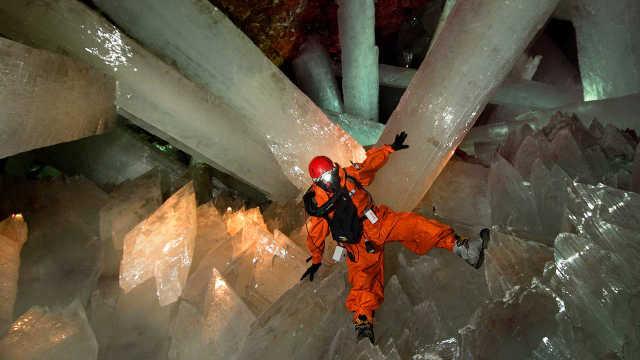 最大水晶洞穴,每滴水含两亿病毒