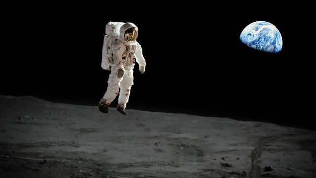 假如人在月球上往下跳会发生什么?