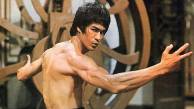 为何李小龙肌肉不大,力量却很强?