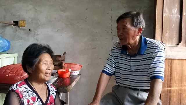 """老人患癌27年,为民服务""""不断线"""""""