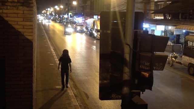 小哥走路去清迈,感受清迈街头文化