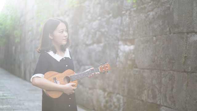 《时间飞行》小姐姐尤克里里弹唱