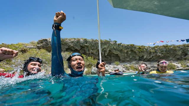 他靠一双脚蹼创造中国自由潜记录!
