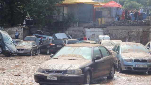 暴雨侵袭过后,希腊首都一片狼藉