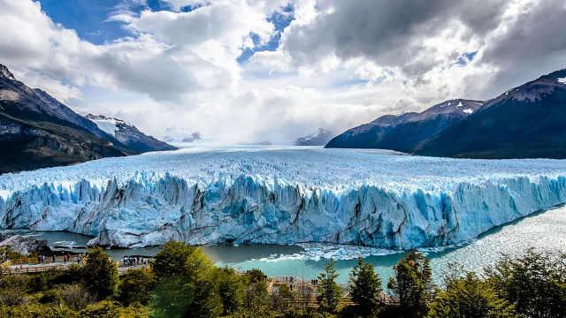 世界罕见的活冰川,有20层楼高