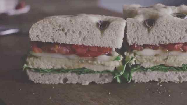 快手又精致的早餐:鹰嘴豆泥三明治