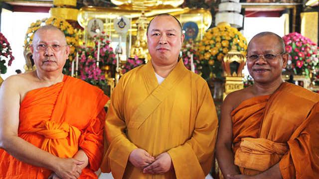 为什么泰国肥胖的和尚那么多?