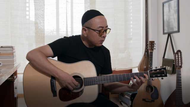 张玮玮弹唱《石头房子》