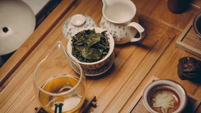 小姐姐教你熟普洱茶的正确泡法