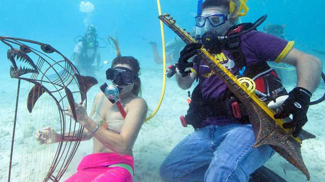 5个世界奇葩的节日!海底音乐节?