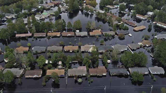 飓风过后数天美国受灾地区依然被淹