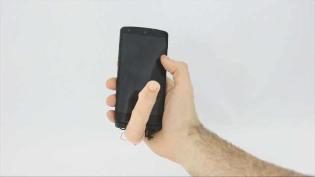 诡异手机配件让手机长出会动的手指