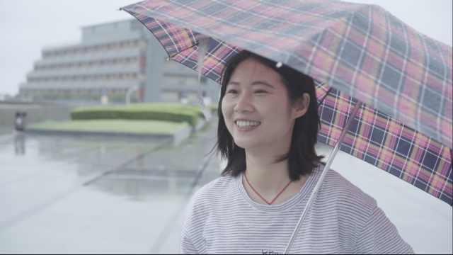 湖北女孩来上海打拼,看海想念家乡