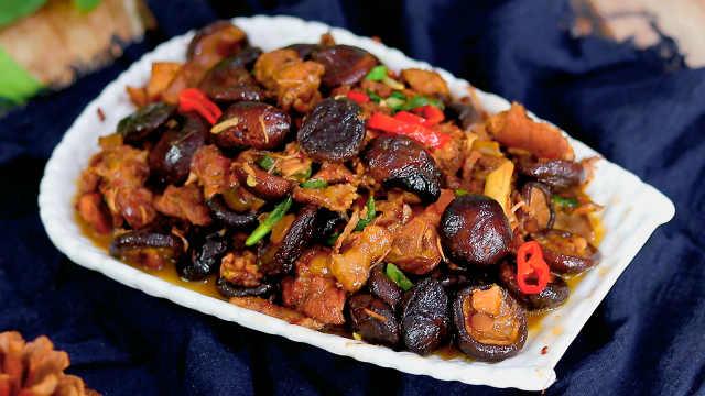 这道香菇炖鸡,营养丰富味道鲜美
