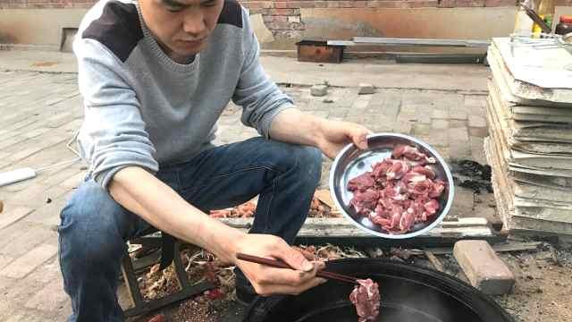 一人涮1斤羊肉,这涮法你见过吗?