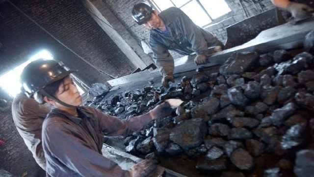 每天消耗汽油和煤地球会一直变轻?