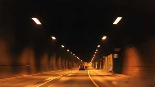 """贵州""""时光隧道""""时间倒退一小时?"""