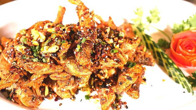 厨师长教你做炝锅小白鱼,休闲美食