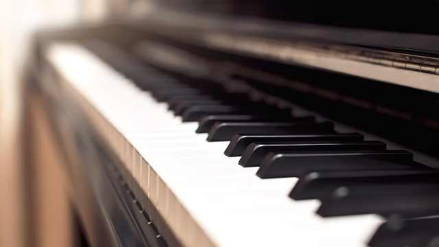 钢琴弹奏《写给黄淮》