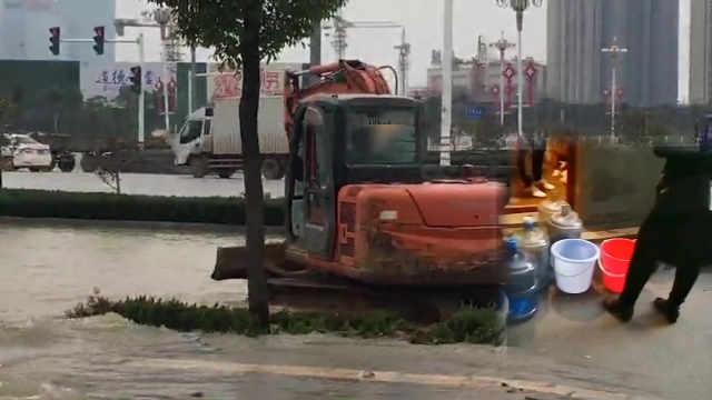 4天3次爆管停水,市民:停水之城