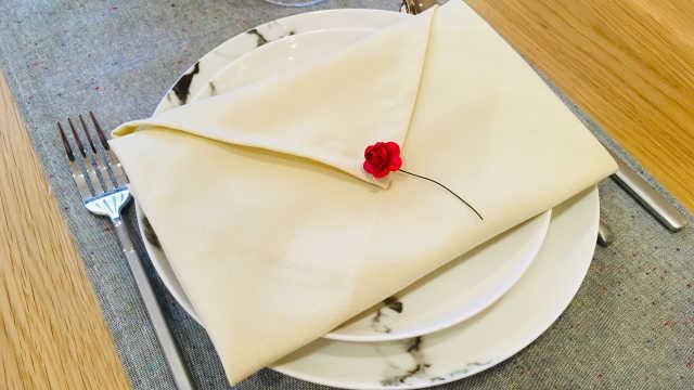餐巾的信封式叠法