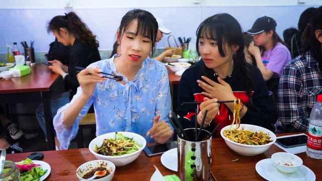 老北京炸酱面,18块钱一碗吃到嗨