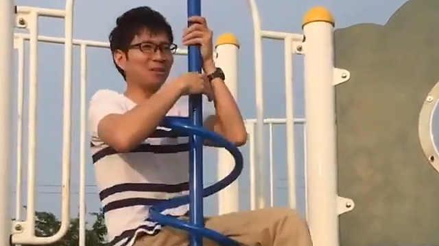 我终于明白公园里的螺旋杆怎么玩了