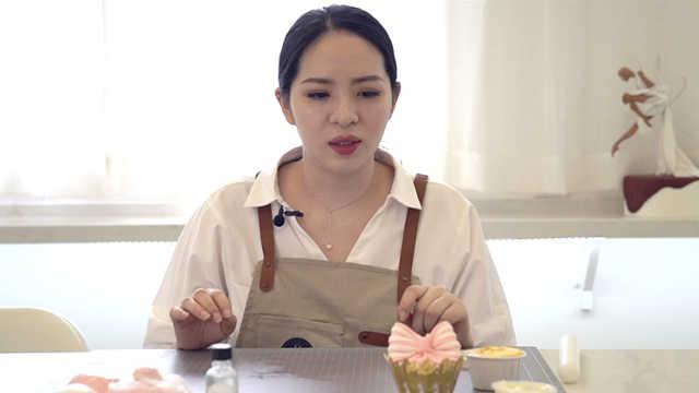 美女白領辭職學翻糖蛋糕