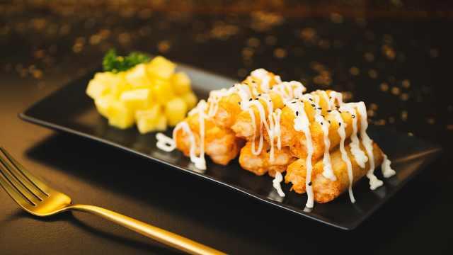 跟夏天搭调的清新,酥脆菠萝油条虾