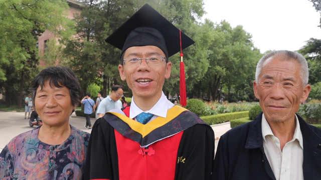 为挑战自我,他辞职后清华读博6年
