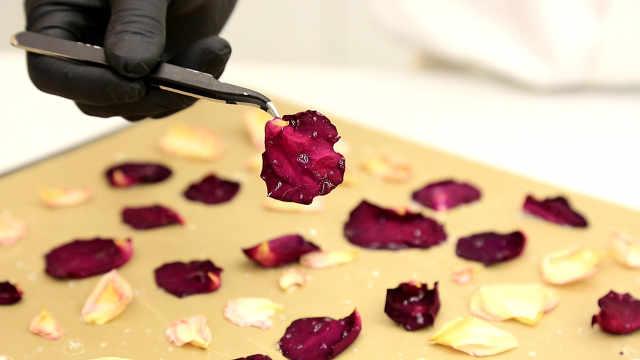 烤玫瑰花瓣:吃花瓣是仙气还是妖气